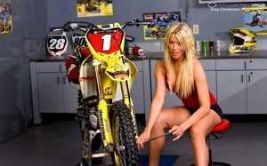 Купить мотоцикл в Украине со склада в Одессе.